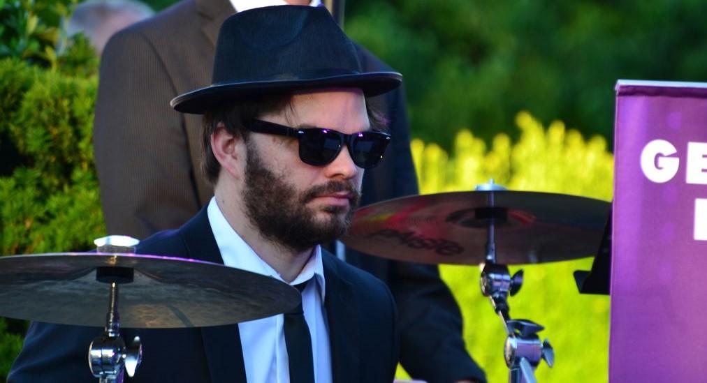 Cooler Drummer - Gerry Fried Big-Band